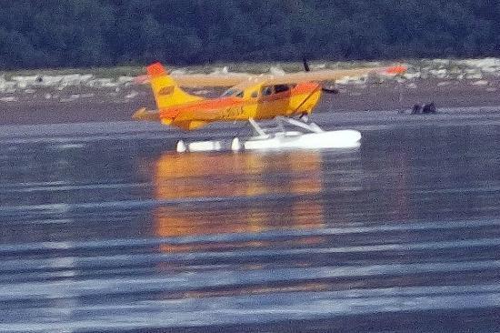 Andrews Airways: Andrew float plane