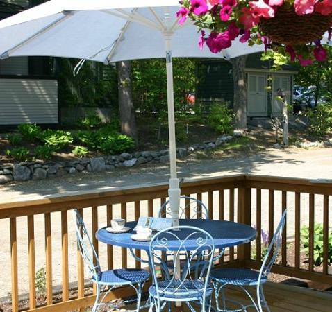 Blue Harbor House Inn: Outside deck