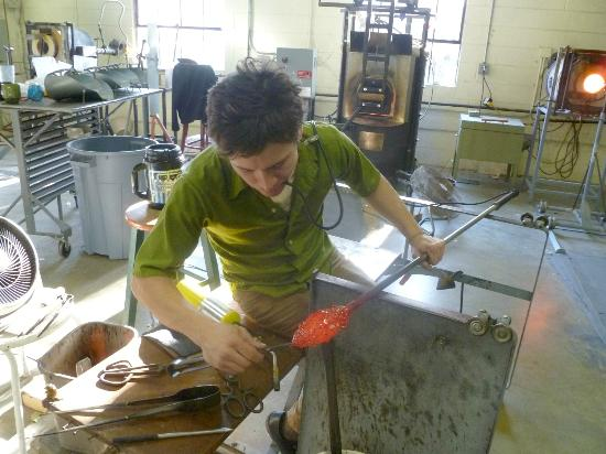 Sunspots Studios & Glassblowing : Daily glass blowing demonstrations at Sunspots