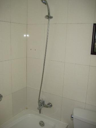 Chongwenmen Hotel : Removable shower head
