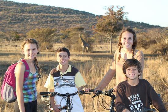 Kololo Game Reserve: Bike riding