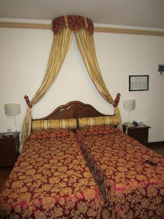 Hotel Scala: Beds