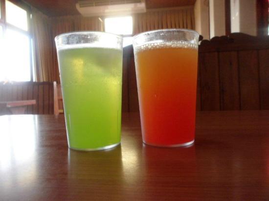 Santa Susanna Resort: peach schnapps with lemonade and kiwi grenadine & San Fransico