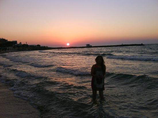 Galaxy Hotel Iraklio: Sunset nearby beach area