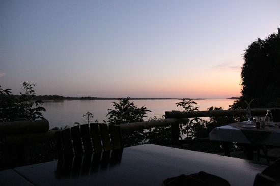 Mvuu Lodge : Sunset view from restaurant