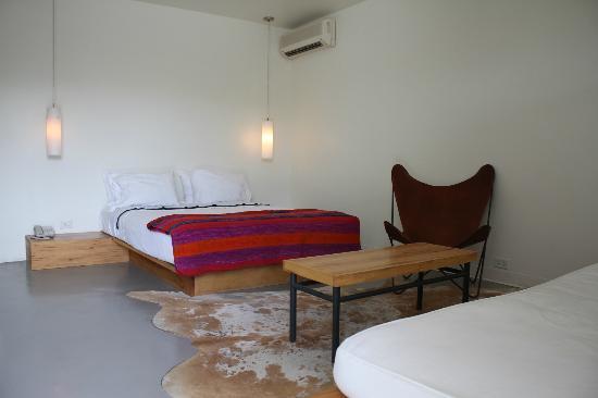 Thunderbird Hotel: Standard guest room
