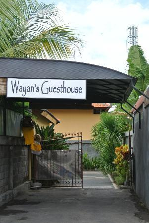 Wayan's Guest House: Entrance to the Guesthouse
