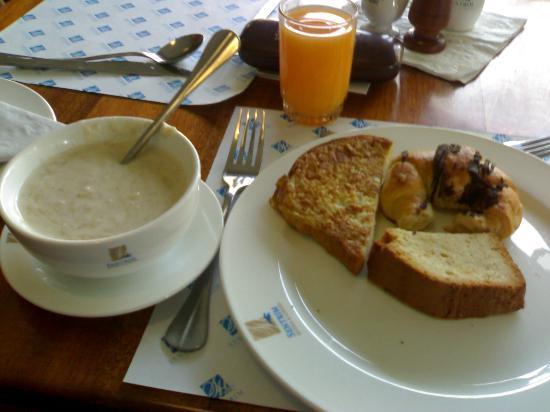 Sentrim 680 Hotel: breakfast