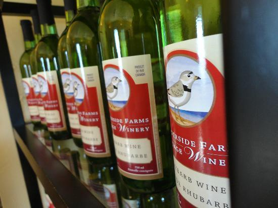 Waterside Farms Cottage Winery: Their rhubarb wine, my favourite