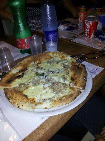 Dream View : pizza mozzarella e salsiccia
