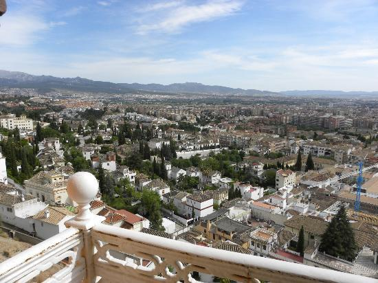 Hotel Alhambra Palace: Great view of Granada from our room.