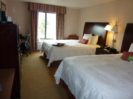 Hampton Inn & Suites Tacoma-Mall: Our room
