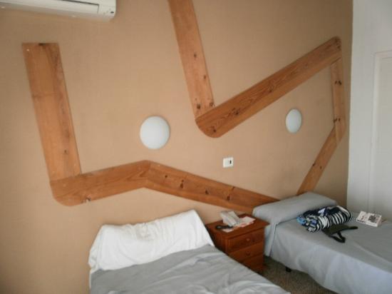 Esmeralda Beach Hotel: Room 302