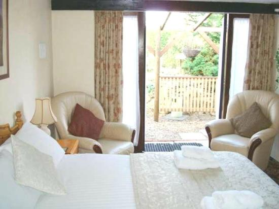 School Lodge Country Guest House: Woodlands
