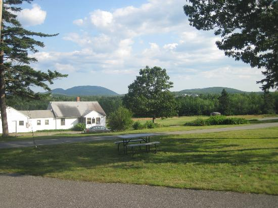 Hutchins Mountain View Cottages: View from our Cottage