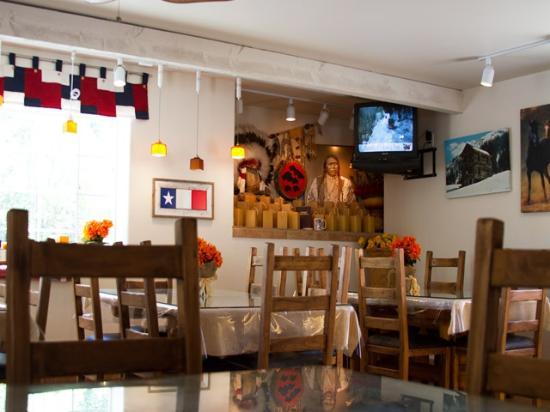 Hot Springs Inn: Dining