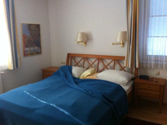 Woerthersee-Residenz Gatternig: Schlafzimmer mit Blick zum See