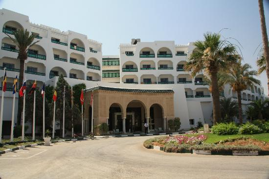 Marhaba Beach Hotel: Main entrance
