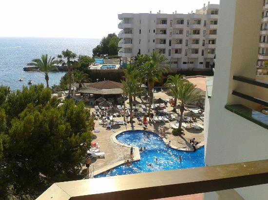 Some of pool area from room 419 picture of trh jardin for Aparthotel jardin del mar santa ponsa