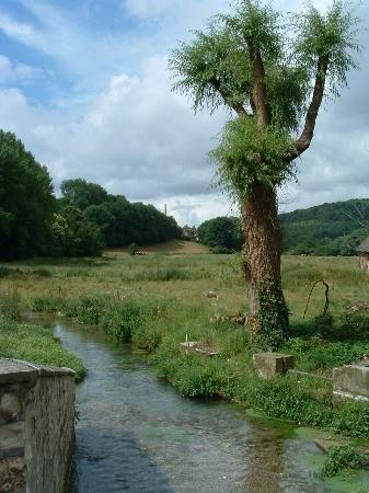 Abbaye de St-Wandrille: stream and valley