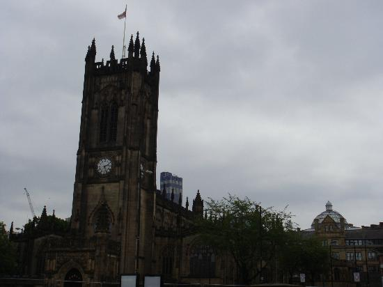 Manchester Sightseeing Bus Tours: Cathedral