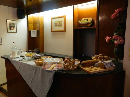 Hotel Schweizerhaus: Breakfast area