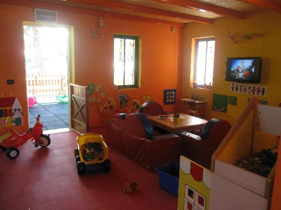 Sol Garden Istra: Perfect little play house for children up to 4 years