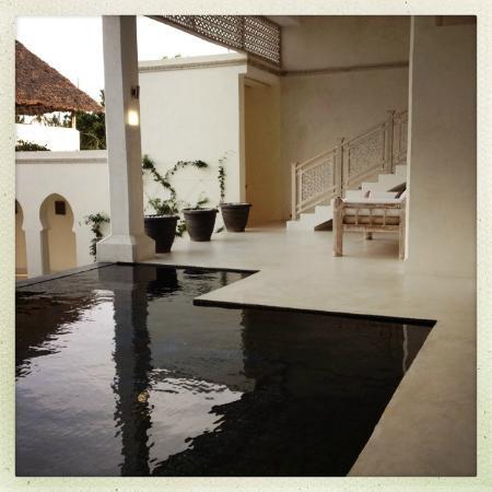 Al Hamra: Infinity plunge pool