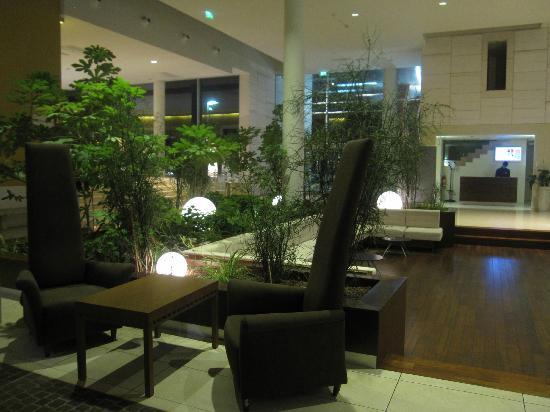 سول جاردن إسترا: Reception area