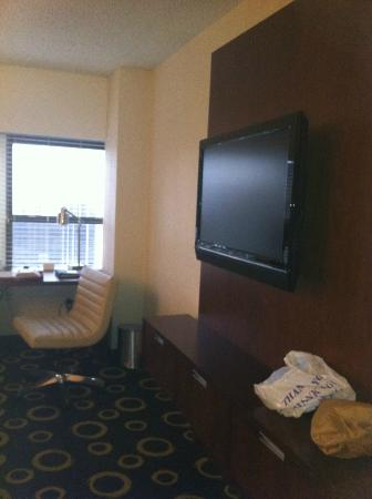 Hyatt Regency Morristown: The TV (with premium channels) and wall to wall window