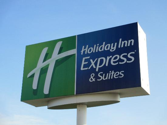 Holiday Inn Express Fenton: front sign