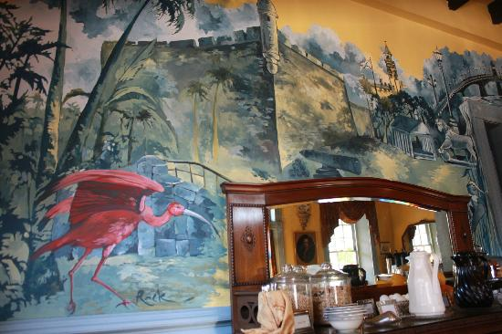 Casa de Solana: Wonderful Mural in Dining Area