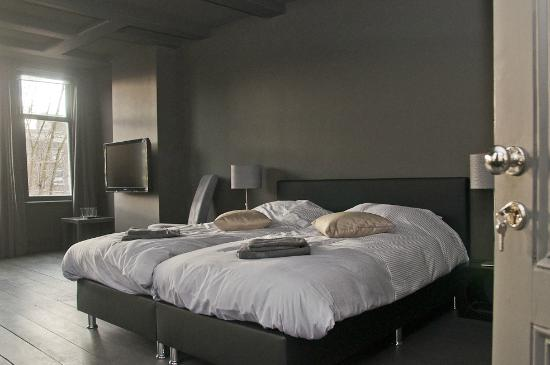 Luxury Keizersgracht Apartments: Double bed