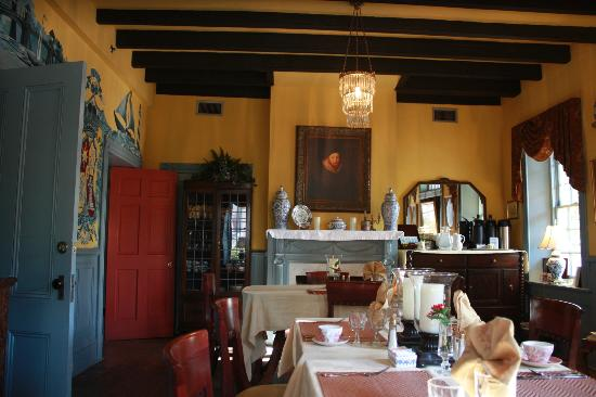 Casa de Solana Bed and Breakfast: Dining area