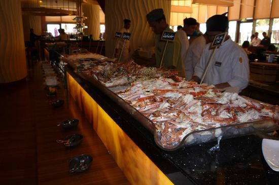 Movenpick Hotel Jumeirah Beach : Fish selection at Brunch