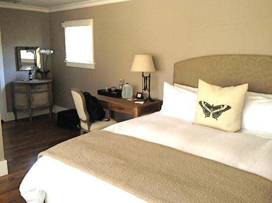 Inn on Randolph: Lovely room, bed like butter!
