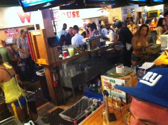 Winghouse of Brandon 301: Pic of bar