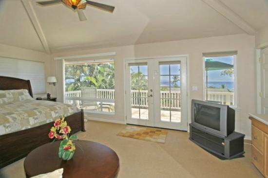 Garden Gate Bed and Breakfast: Ocean View Suite