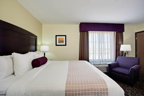 La Quinta Inn & Suites Las Vegas Airport South: Euro Style Bedding