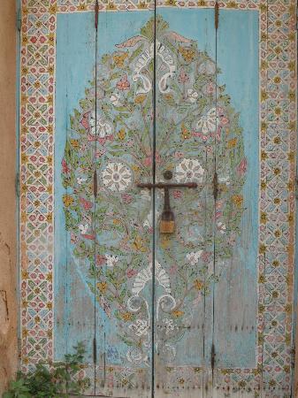 Oudaia Museum : beautiful painted door near the museum