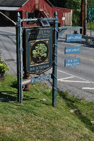 The Wilmington Inn: The sign