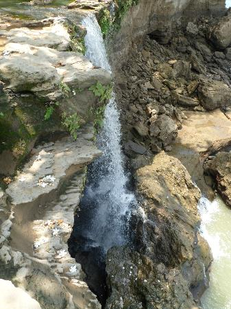 Anamaya Resort & Retreat Center: nearby waterfall