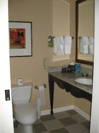 Kimpton Hotel Monaco Salt Lake City: Bathroom of Room 1209
