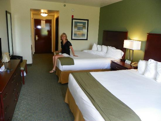 Holiday Inn Express Cocoa: COMFORTABLE QUEEN BEDS