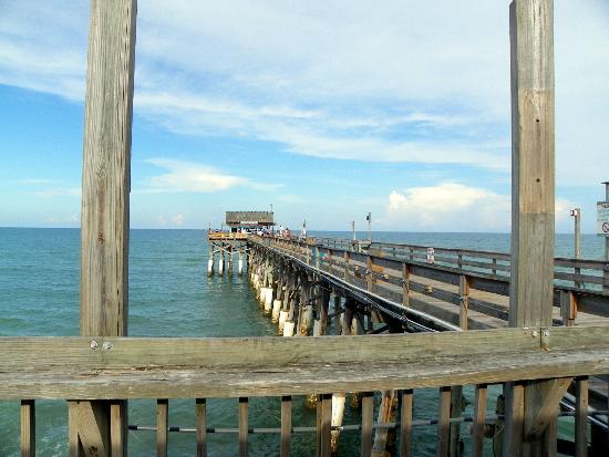 Holiday Inn Express Cocoa: COCOA BEACH PIER