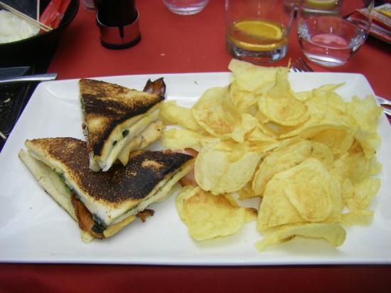 Shoko : Club Sandwich and crisps