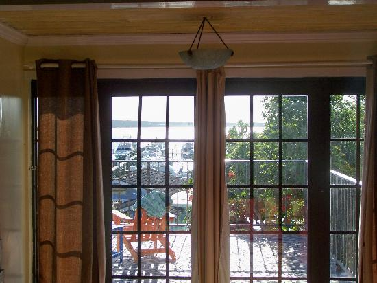 Romora Bay Resort & Marina: French doors leading out to the deck.