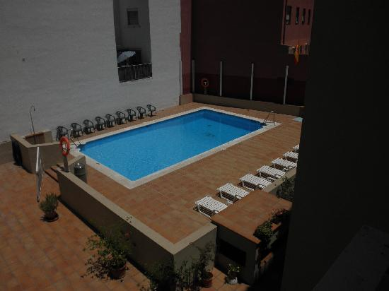 إيه سي هوتل لالينيا باي ماريوت: pool 