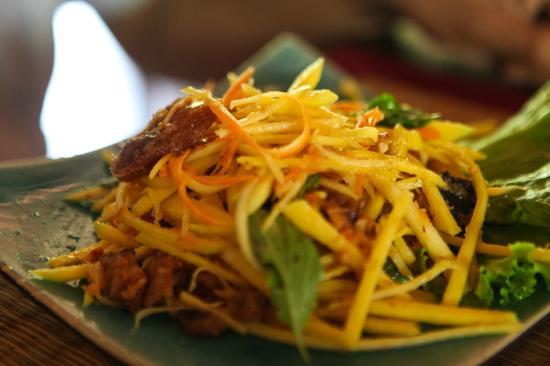 HanumanAlaya Boutique Residence: Fish a la mango