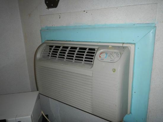 Dutch Motel Shartlesville: A/C